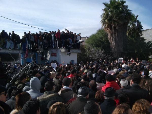 Le cortège des funérailles, le 9 février