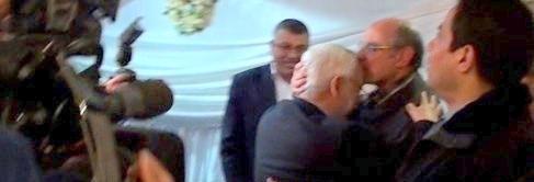 Hamadi Jebali embrasse Rachid al-Ghannouchi et soulève de nombreuses questions sur les intentions de Ennahdha