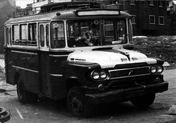 Le bus transportant des Palestiniens attaqué le 13 avril 1975 à Beyrouth